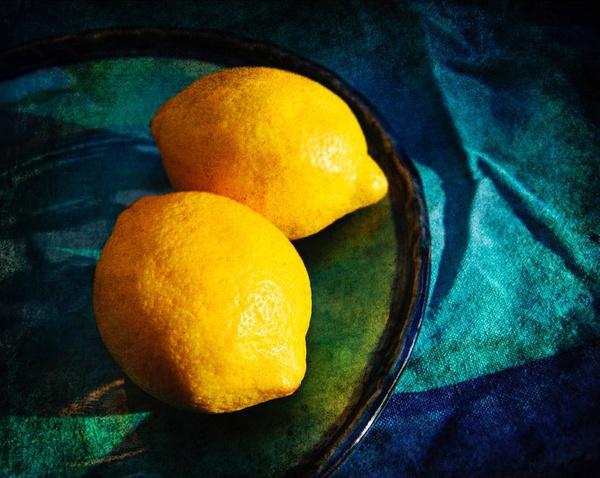Lemons on a Blue Plate - Still Life