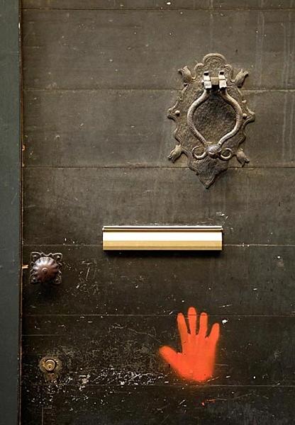 knocker letterbox hand - Travel