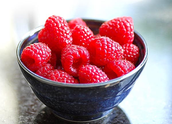Raspberries in a bowl - Still Life