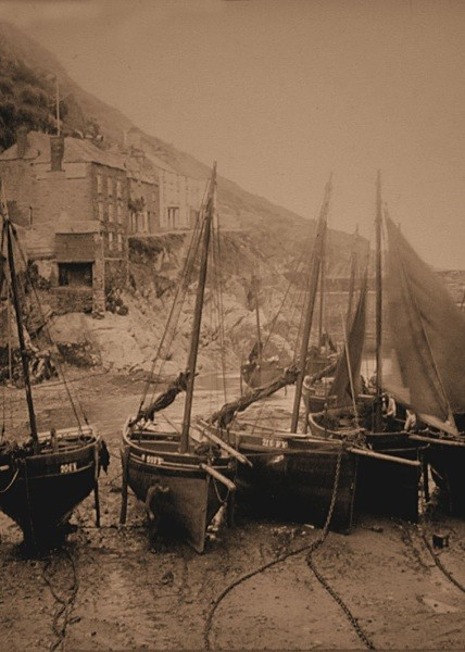 Polperro Harbour 6 - Old Photos of Polperro