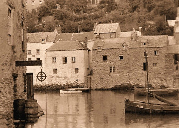 Polperro Harbour 4 - Old Photos of Polperro
