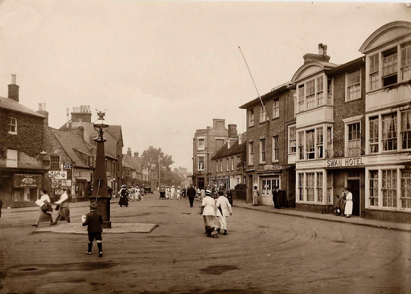 Southwold Market Place 4 - Old Photos of Southwold
