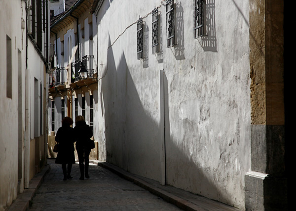 Narrow street, Cordoba - People and Places