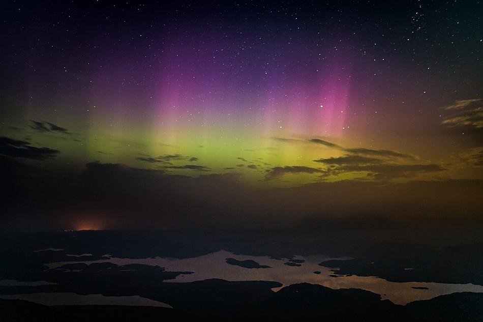 Assynt lightshow - Aurora borealis in Scotland