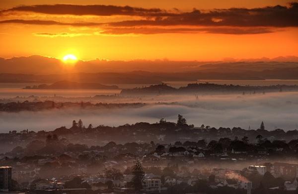 Misty sunrise over Auckland - Auckland