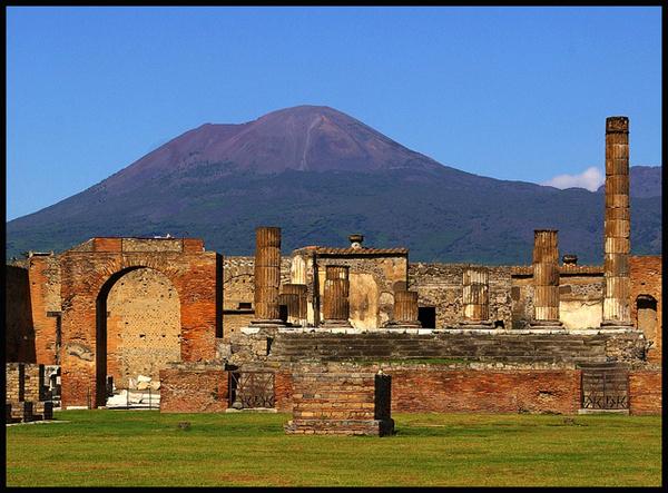Pompeii - Forum & Vesuvius - Travels Abroad