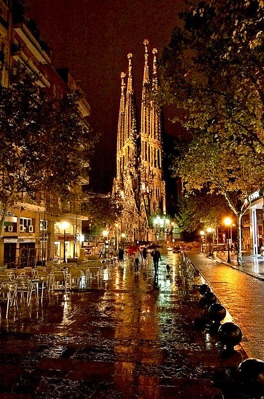 La Sagrada Familia - Travel in Color