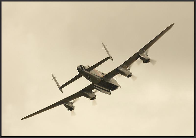 Avro Lancaster - Aviation