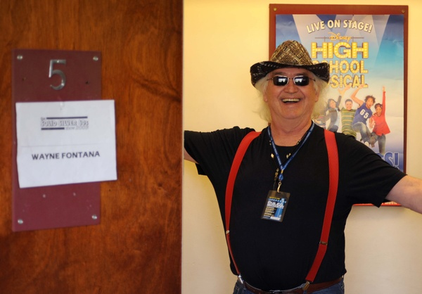 Wayne Fontana before the show - Solid Silver 60s tour