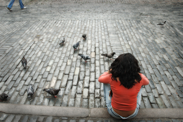 Feeding the birds - Street photography/people