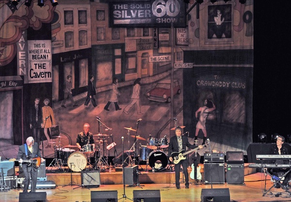 Vanity Fare at Eastbourne - Solid Silver 60s tour