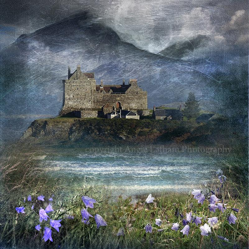 HM 001 Duart Castle , Mull - Spirit of the Highlands