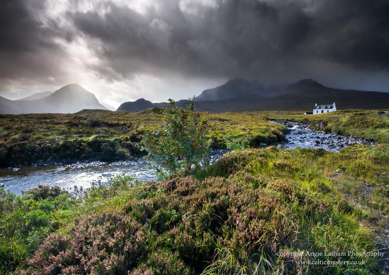 Sunshine & Showers Glen Sligachan - Isle of Skye