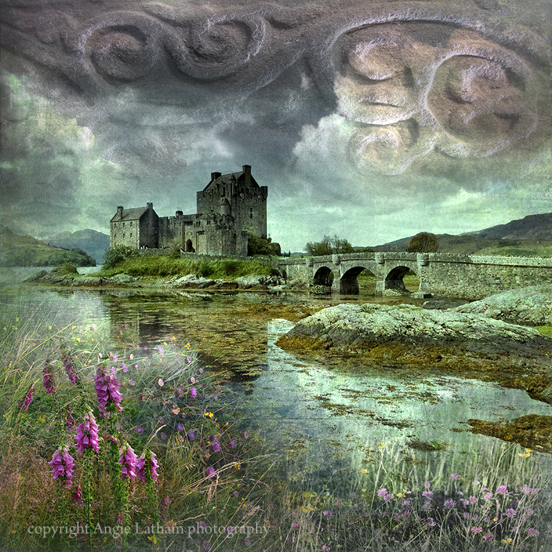 HM 002 Eilean Donan Castle - Spirit of the Highlands