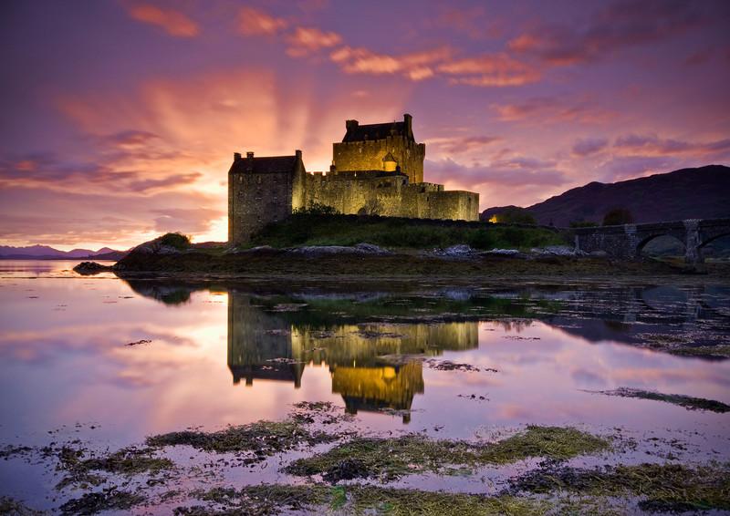 Eilean Donan Light Show - Highlands of Scotland