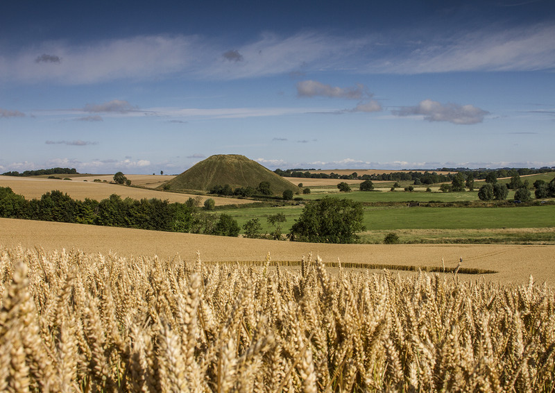 Silbury Hill and crop circle - Ancient Sites