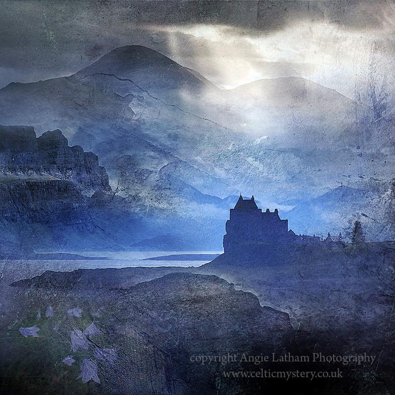 HM 012 Clan echoes Duart Castle Clan Maclean - Spirit of the Highlands