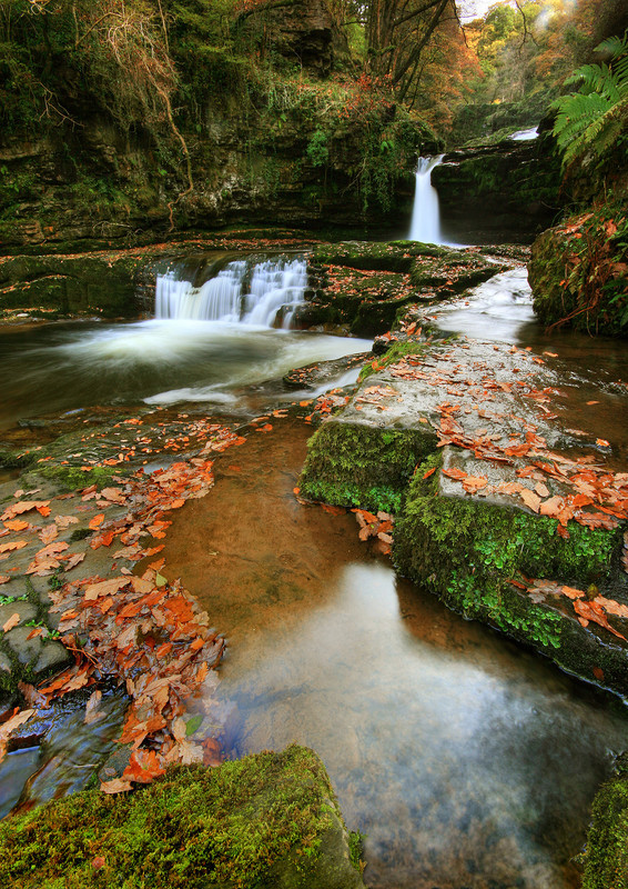 Sgwd Isaf Clun Waterfall - Celtic Wales