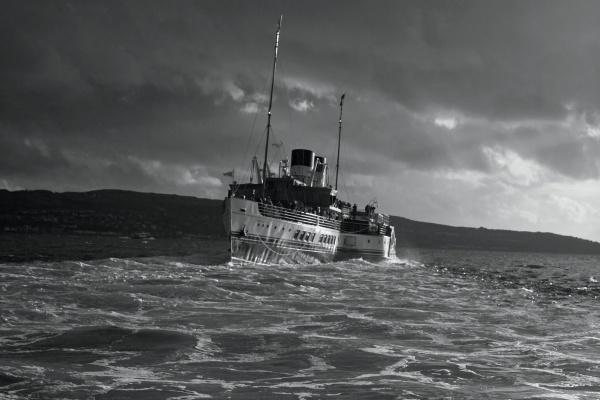 Leaving Kilcreggan Mono - PS Waverley