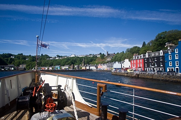 Tobermory Harbour - PS Waverley