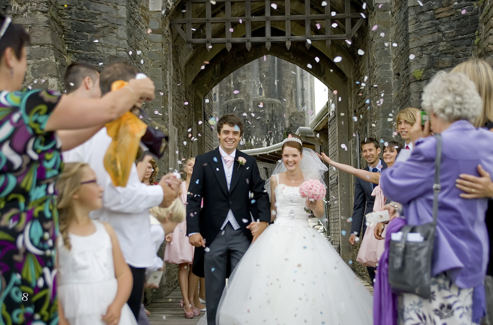 Confetti Run at Caerphilly Castle - Wedding Photography at Caerphilly Castle