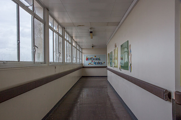 Queen Elizabeth II Hospital Welwyn Garden City Urbex Urban Exploration Abandoned petercostellophotography.com Hertfordshire
