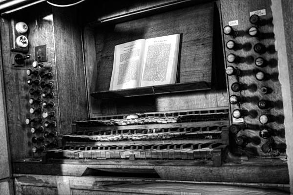 St Saviours bacup church urbex urban exploration derelict church bacup