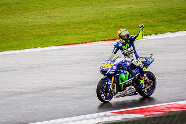 Valentino Rossi Silverstone Motogp The Doctor Greatest Of Al Time Yamaha M1 Yamaha Racing World Champion Legend Dorna