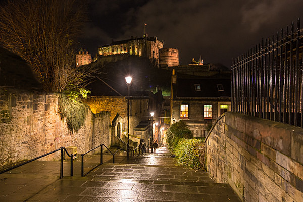 The Vennel and the Castle - Edinburgh (Auld Reekie)