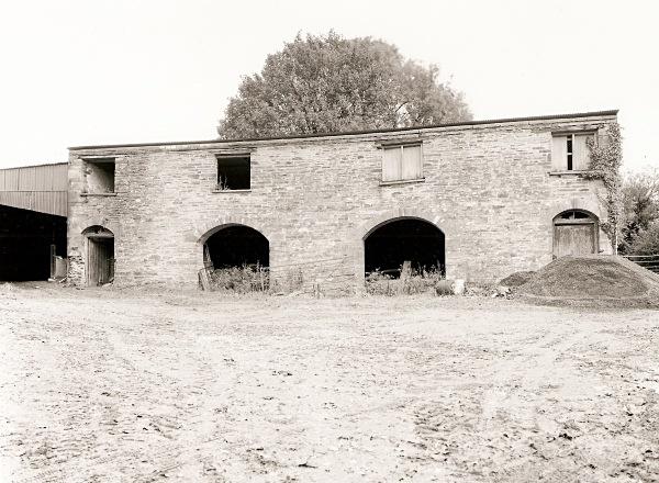 MAESGWYNNE BARN, Llanboidy, Carmarthenshire 2001 - CARMARTHENSHIRE