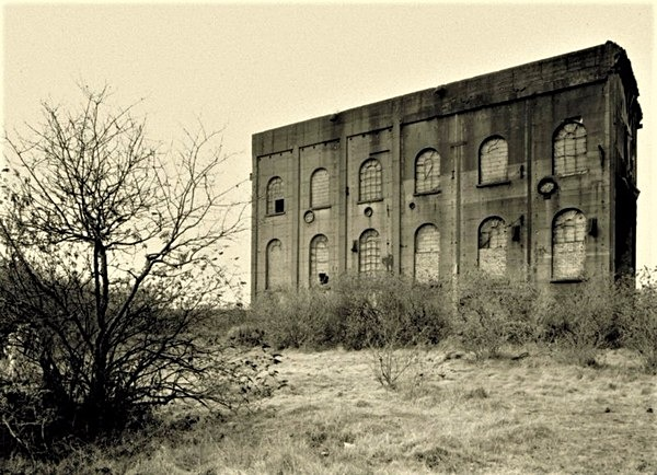 BRITON FERRY IRONWORKS, ENGINE HOUSE, Neath Port Talbot 2017 - OTHER WELSH RUINS