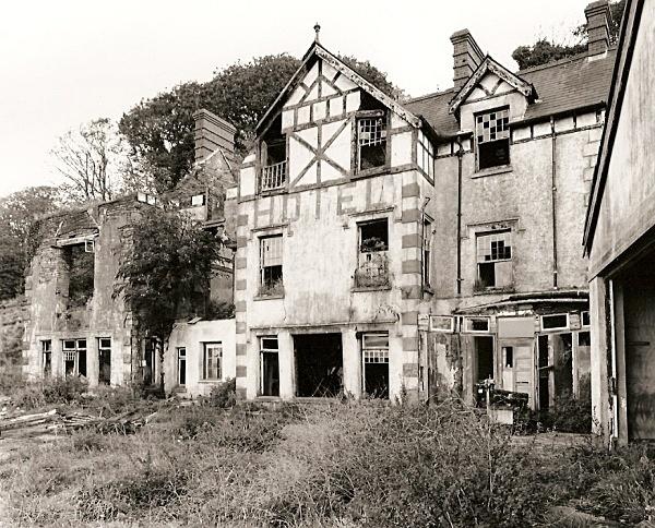 GWDIG / GOODIG, Burry Port, Carmarthenshire