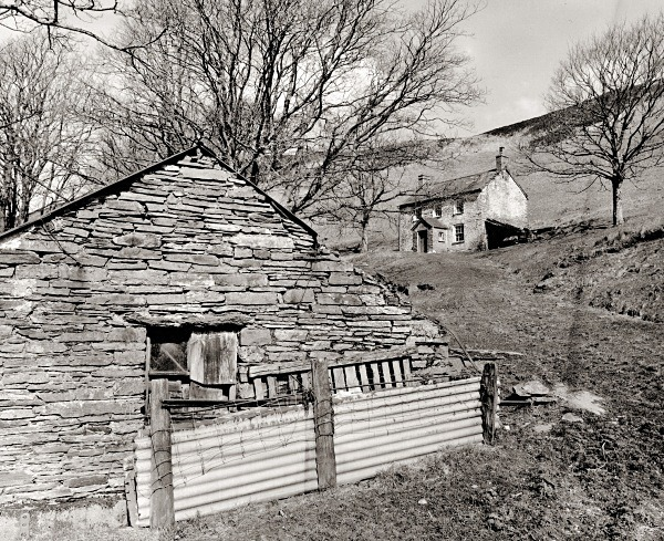 LLAWR-Y-CWM-BACH farmhouse & mine workings, Bontgoch, Ceredigion 2016 - CEREDIGION FARMHOUSES