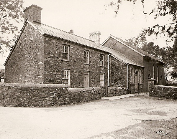 TREFENTER CHAPEL & CHAPEL HOUSE, Trefenter, Ceredigion 2010 - CEREDIGION FARMS & COTTAGES
