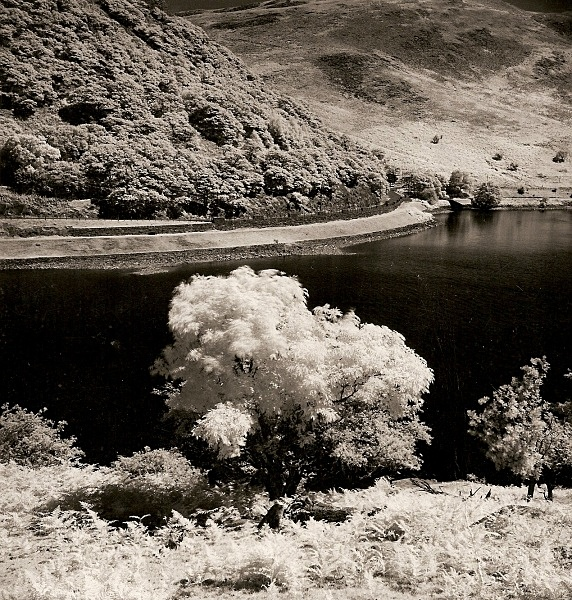 GARREG-DDU RESERVIOR, Elan Valley, Radnorshire 1991 - THE WELSH LANDSCAPE