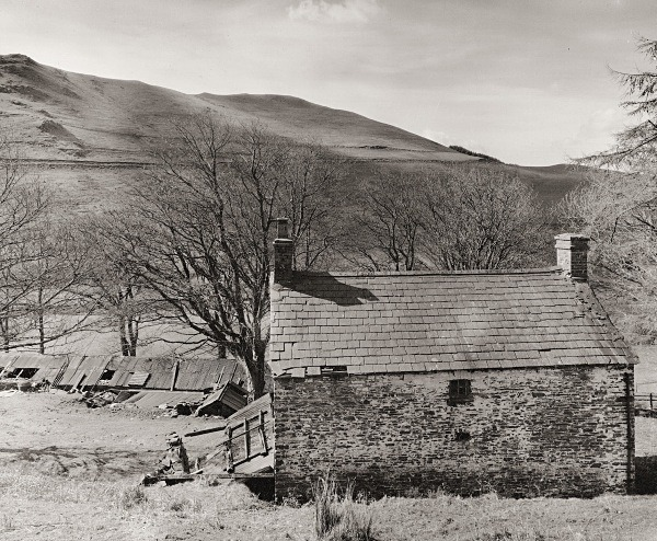 LLAWR-Y-CWM-BACH farmhouse & mine workings, Bontgoch, Ceredigion 2016 - CEREDIGION FARMS & COTTAGES