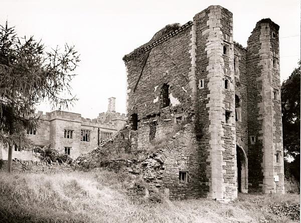 PENCOED CASTLE, Llanmartin, Gwent