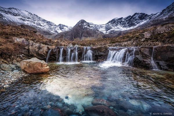 Glumagen na Sithichean 4 - Yr Alban / Scotland
