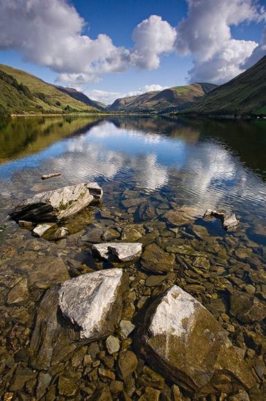 Tal Y Llyn Portrait - O Gwmpas Cymru / Around Wales