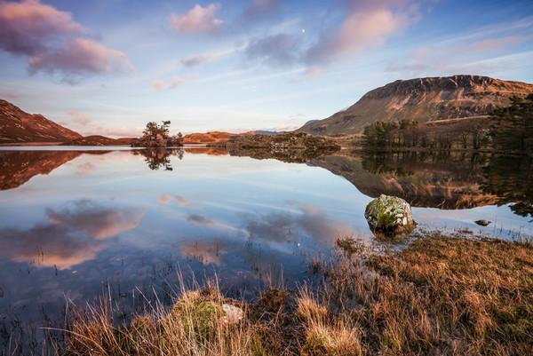 Cregennen - O Gwmpas Cymru / Around Wales