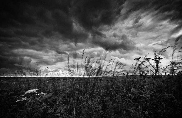 Storm clouds mono - Visual Imagery