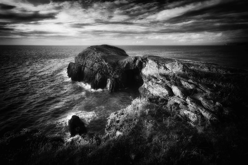 Ynys Y Lochtan Ceredigion - Black and White