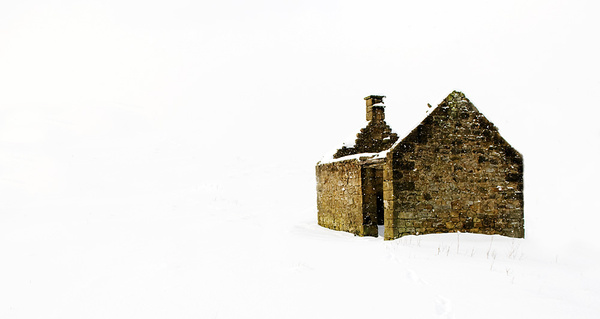 Halldale Darley Dale Derelict house in the snow 1 - Winter Landscapes
