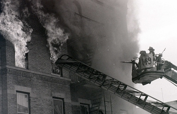 TL 149 A - FDNY in action