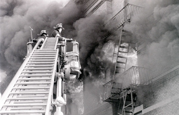 TL 149 C - FDNY in action