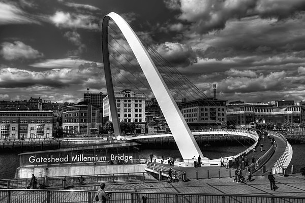Gateshead Millenium Bridge. - Places and Landscapes