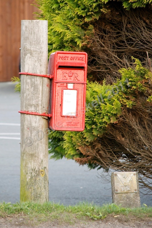 DSC_2548 - Phone & Post Boxes