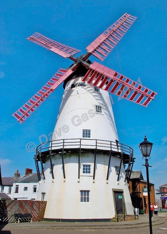 DSC_3414 - Version 4 - Blackpool & Lytham
