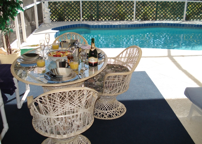 Champagne breakfast!! Why not. 11 - Florida Holiday Home