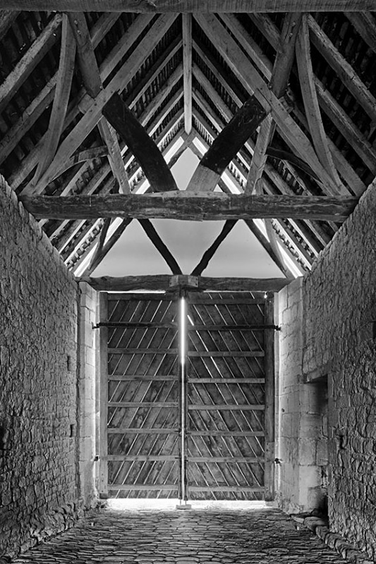 1515 - Bredon Tythe Barn Door 2 - Barns & Buildings